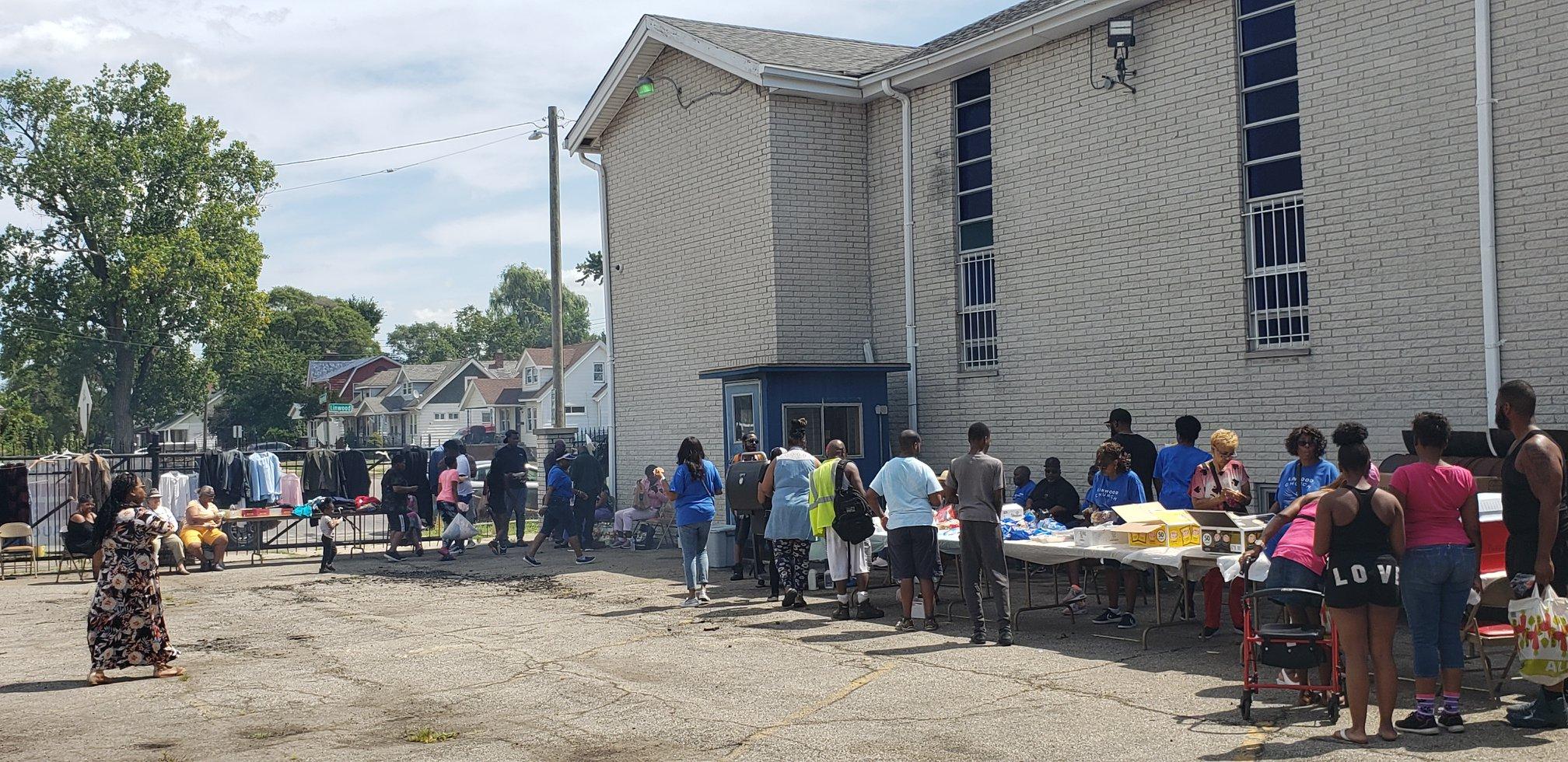 Linwood Church of Christ - Food Pantry